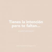 """Completa la frase: """"Tienes la intención, pero te faltan..."""". ¿En qué situaciones os han dicho o habéis dicho esto?🤔Aunque nuestra cajita nos delate, somos totalmente inocentes😮🤫#chuches #huevos #sweetmessages #mensajes #muysweet #dulces"""