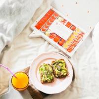 ¡Menudo desayuno! Aunque sabemos que muchxs madrugais y no os da tiempo de un buen desayuno entre semana, no sabéis lo bien que sienta.¿Sois de desayunar mucho?#desayunos #sweet #regalos #love #gifts